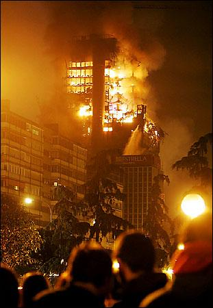 http://www.whatreallyhappened.com/IMAGES/spain_fire6.jpg